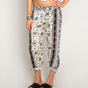 O'Neill Tucker Cropped Pants - L